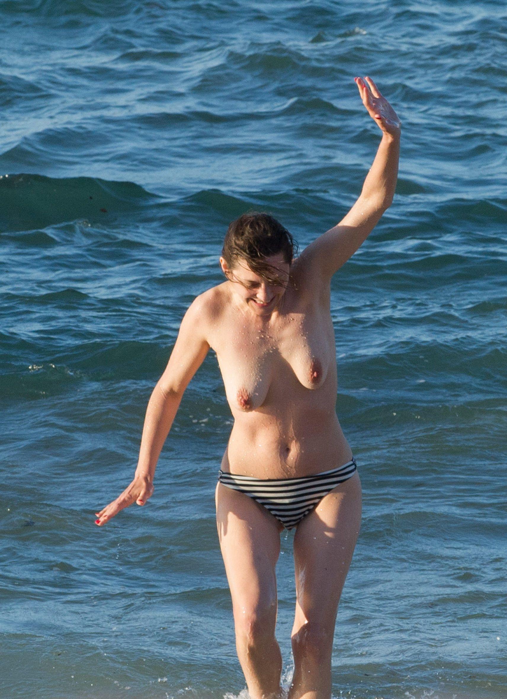 Marion cotillard naked pussy image — pic 9