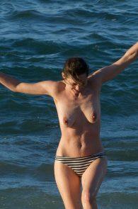 marion-cotillard-topless-on-fuerteventura-island-11