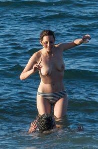 marion-cotillard-topless-on-fuerteventura-island-15