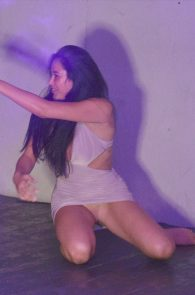 marnie-simpson-pantyless-while-out-in-kavos-03