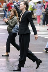 milla-jovovich-nipple-slip-on-vogue-magazine-photoshoot-04