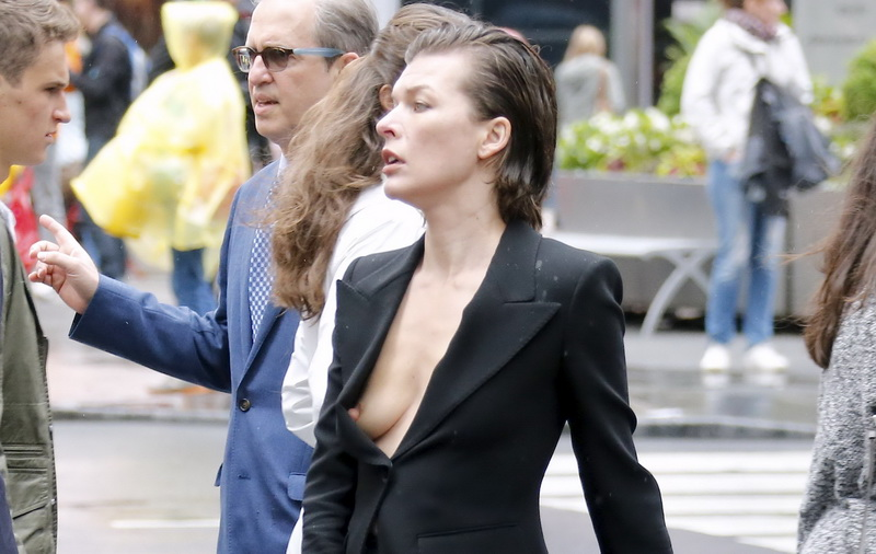 milla-jovovich-nipple-slip-on-vogue-magazine-photoshoot-06