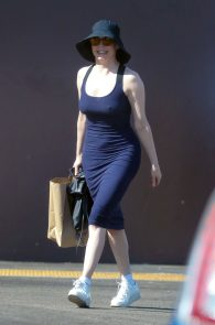 rose-mcgowan-braless-hard-nipples-while-out-shopping-11