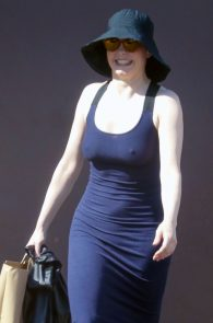 rose-mcgowan-braless-hard-nipples-while-out-shopping-12