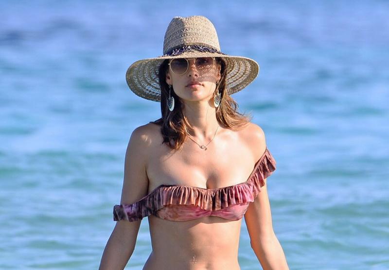 alessandra-ambrosio-wearing-a-bikini-in-ibiza-16