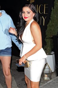 ariel-winter-upskirt-deep-cleavage-at-the-nice-guy-05