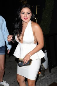 ariel-winter-upskirt-deep-cleavage-at-the-nice-guy-07