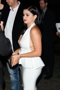 ariel-winter-upskirt-deep-cleavage-at-the-nice-guy-43