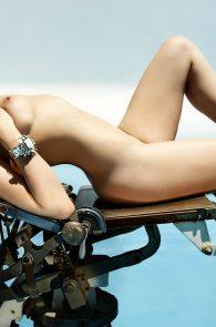 ireland-baldwin-topless-in-treats-magazine-02