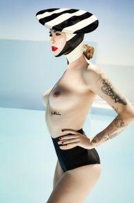 ireland-baldwin-topless-in-treats-magazine-03