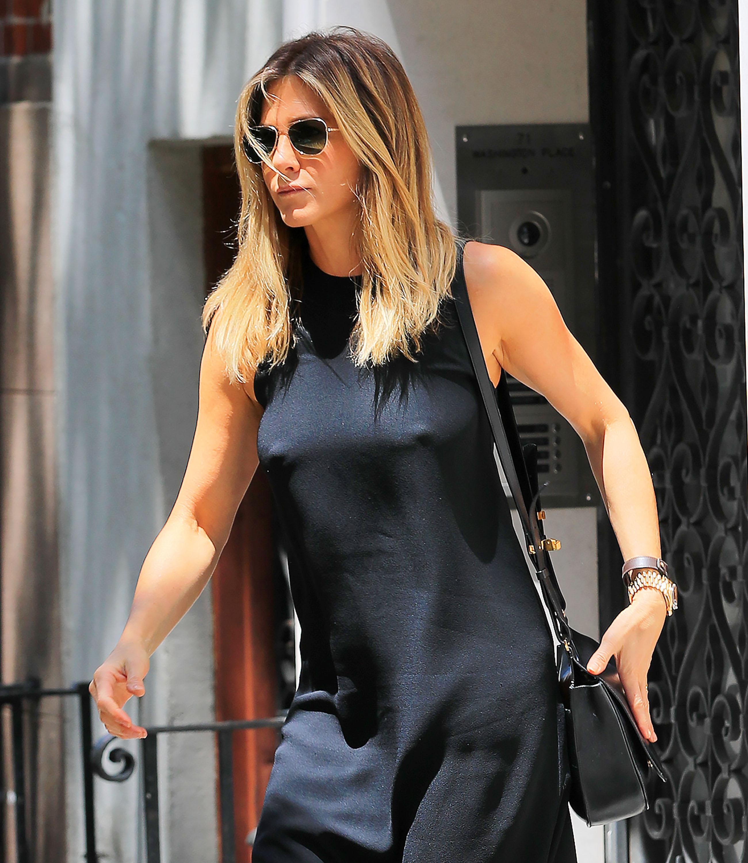 jennifer-aniston-braless-pokies-in-new-york-03 | celebrity-slips.com