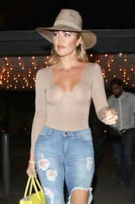 khloe-kardashian-braless-see-through-leaving-casa-vega-03
