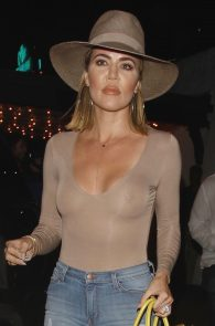 khloe-kardashian-braless-see-through-leaving-casa-vega-06