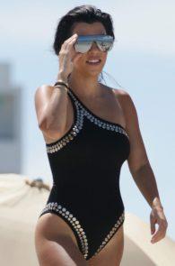 kourtney-kardashian-black-swimsuit-in-miami-09