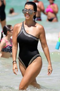 kourtney-kardashian-black-swimsuit-in-miami-17