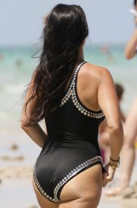 kourtney-kardashian-black-swimsuit-in-miami-19
