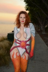 maitland-ward-fully-nude-bodypaint-at-comic-con-11