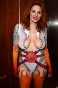 maitland-ward-fully-nude-bodypaint-at-comic-con-13