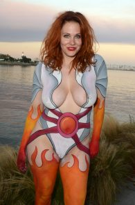 maitland-ward-fully-nude-bodypaint-at-comic-con-16