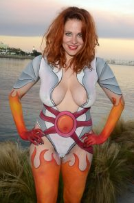 maitland-ward-fully-nude-bodypaint-at-comic-con-17