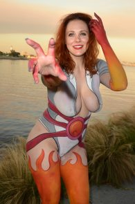 maitland-ward-fully-nude-bodypaint-at-comic-con-22