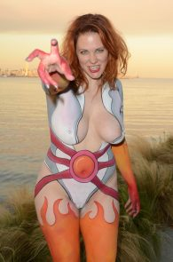 maitland-ward-fully-nude-bodypaint-at-comic-con-26