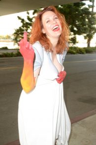 maitland-ward-fully-nude-bodypaint-at-comic-con-30
