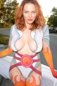 maitland-ward-fully-nude-bodypaint-at-comic-con-34