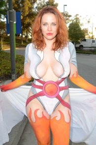 maitland-ward-fully-nude-bodypaint-at-comic-con-39