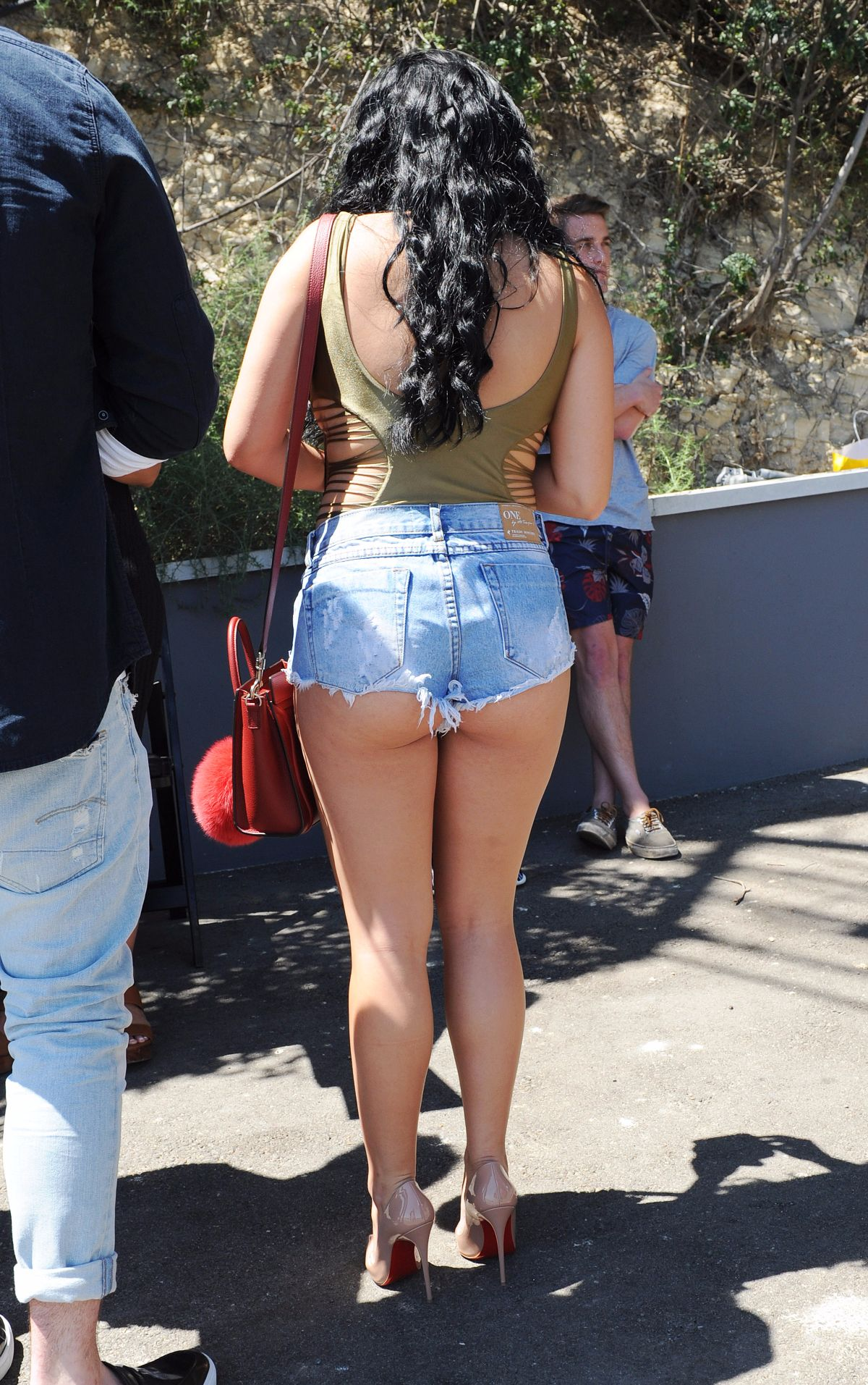 Celebrity Butt Cleavage 26