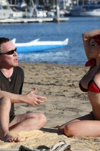 courtney-stodden-bikini-areola-slip-in-venice-05