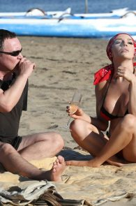 courtney-stodden-bikini-areola-slip-in-venice-19