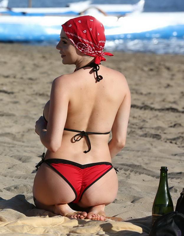 courtney-stodden-bikini-areola-slip-in-venice-51