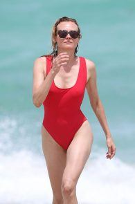 diane-kruger-swimsuit-pokies-cameltoe-in-miami-06