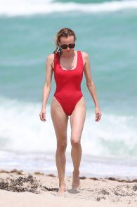 diane-kruger-swimsuit-pokies-cameltoe-in-miami-08
