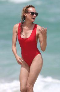 diane-kruger-swimsuit-pokies-cameltoe-in-miami-11