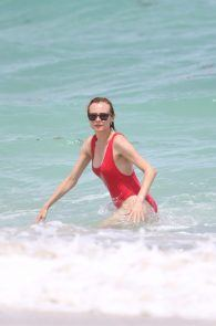 diane-kruger-swimsuit-pokies-cameltoe-in-miami-17