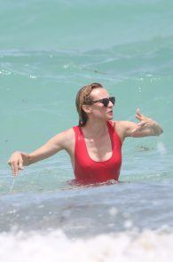 diane-kruger-swimsuit-pokies-cameltoe-in-miami-18