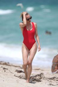 diane-kruger-swimsuit-pokies-cameltoe-in-miami-19