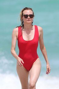 diane-kruger-swimsuit-pokies-cameltoe-in-miami-21