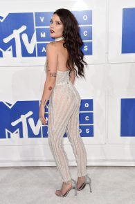halsey-braless-see-through-at-mtv-video-music-awards-in-ny-01
