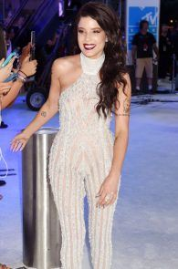 halsey-braless-see-through-at-mtv-video-music-awards-in-ny-03