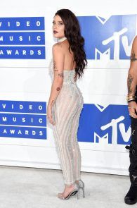 halsey-braless-see-through-at-mtv-video-music-awards-in-ny-07