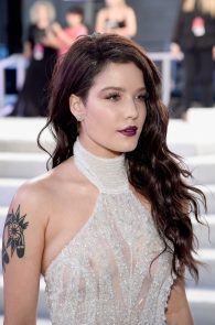 halsey-braless-see-through-at-mtv-video-music-awards-in-ny-09