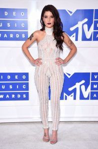 halsey-braless-see-through-at-mtv-video-music-awards-in-ny-20