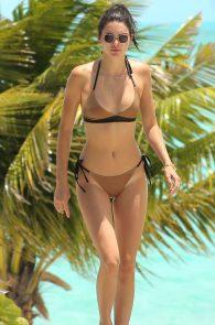 kendall-jenner-wearing-a-bikini-turks-and-caicos-01