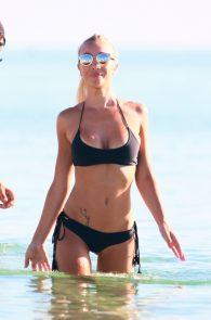 laura-cremaschi-wearing-a-thong-bikini-pussy-lips-in-miami-beach-19