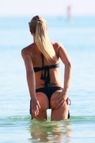 laura-cremaschi-wearing-a-thong-bikini-pussy-lips-in-miami-beach-22