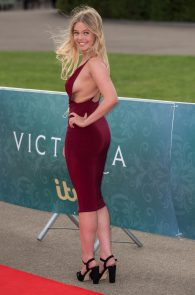 nell-hudson-sideboob-at-victoria-premiere-in-london-07
