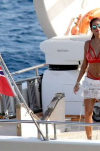 nicole-scherzinger-hot-ass-in-bikini-in-mykonos-04